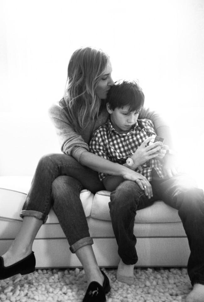 20个感动的家庭摄影 美丽的母亲和儿子们