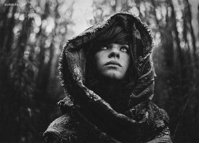 Daria Pitak 黑白人像摄影欣赏