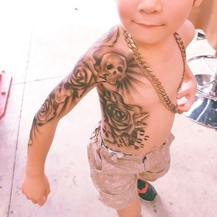 Benjamin Lloyd 为孩子们而画的纹身