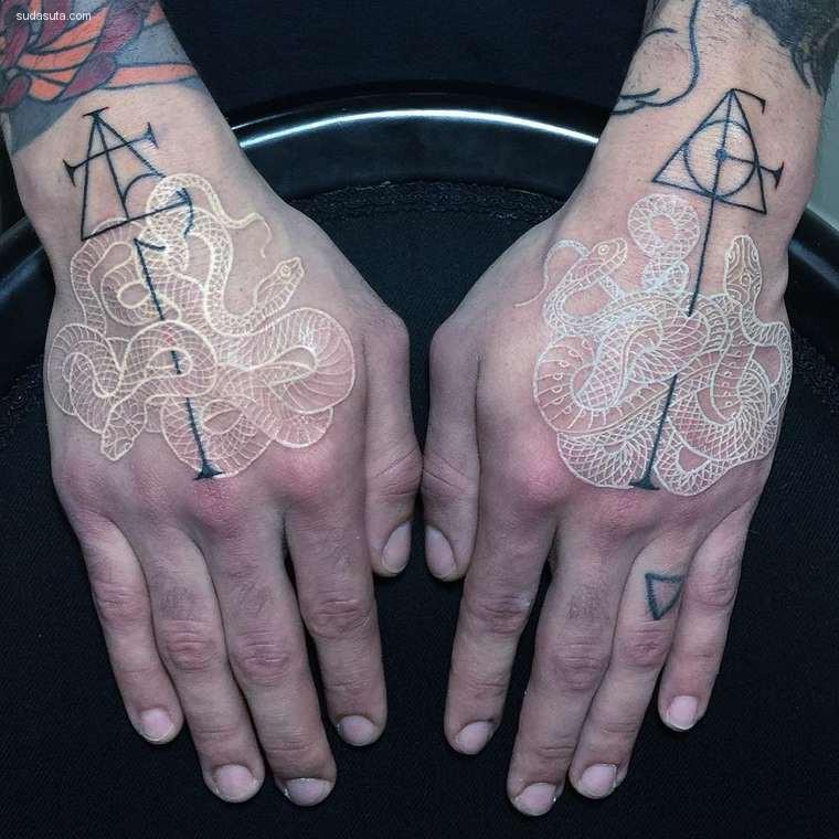 Mirko Sata 蛇与纹身