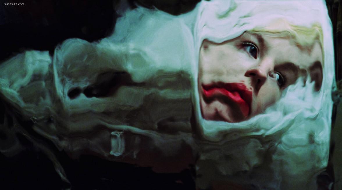 Jordan Tiberio 扭曲的镜头