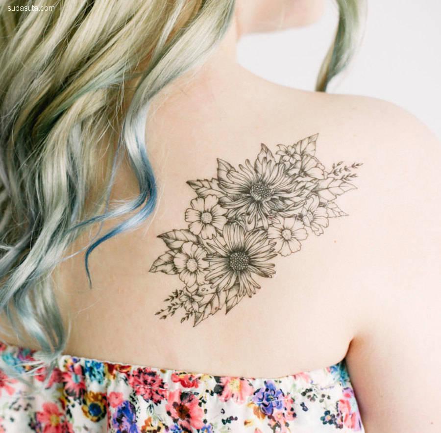 Ashley Arnett 细小而迷人的纹身设计
