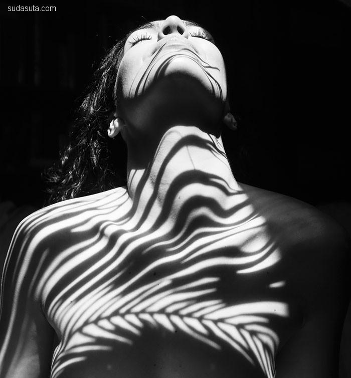 Emilio Jiménez 阴影与女性 人体摄影欣赏