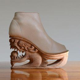 LanVy Nguyen 不一样的鞋子