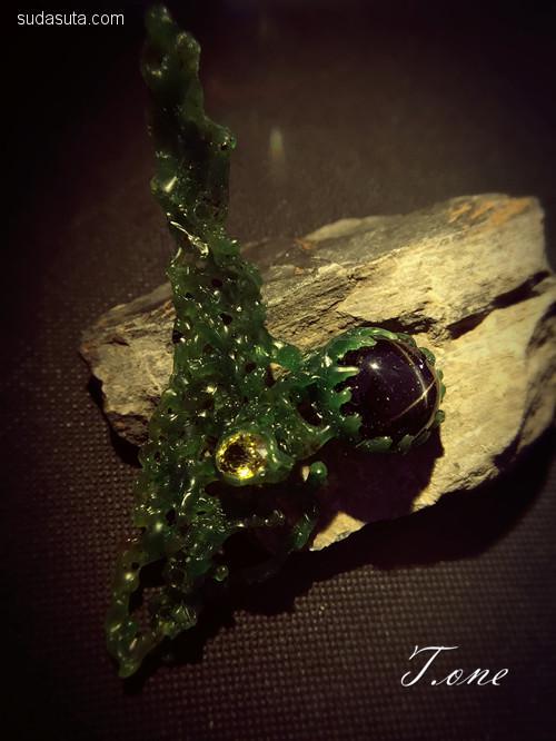 葳蕤 关于石头的灵魂