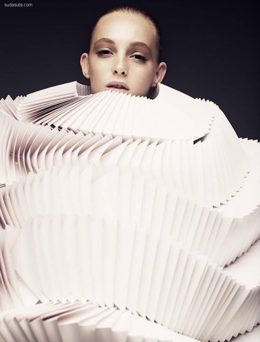 Bea Szenfeld 纸张的时尚