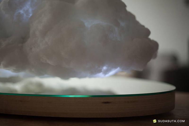 Richard Clarkson 室内的风雨云