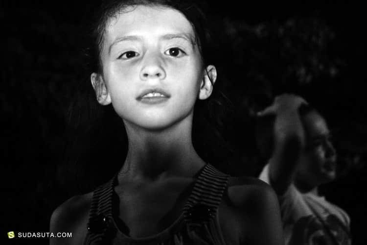 Alina Negoita 黑白人像摄影欣赏