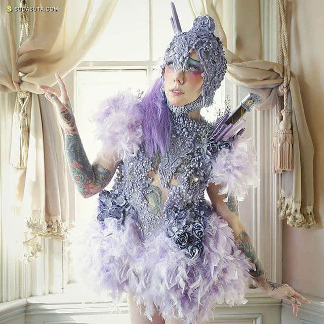 服装设计师 Ashley Rose Couture 的黑色魔法