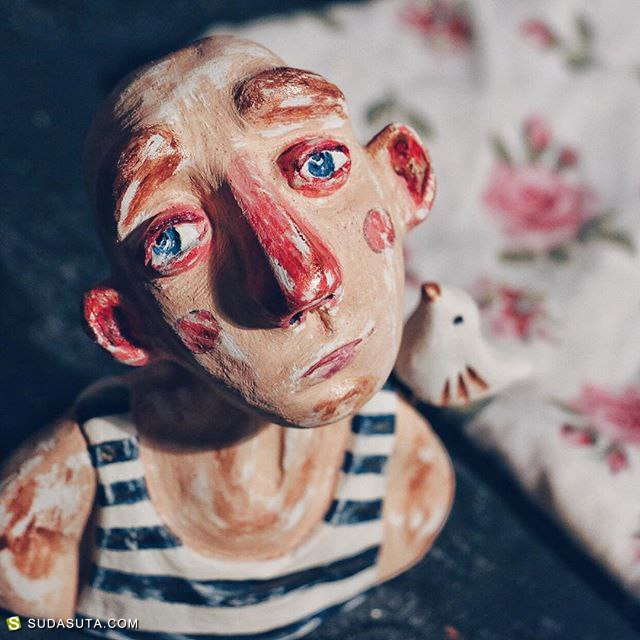 视觉艺术家 LINA ZHOLOBOVA