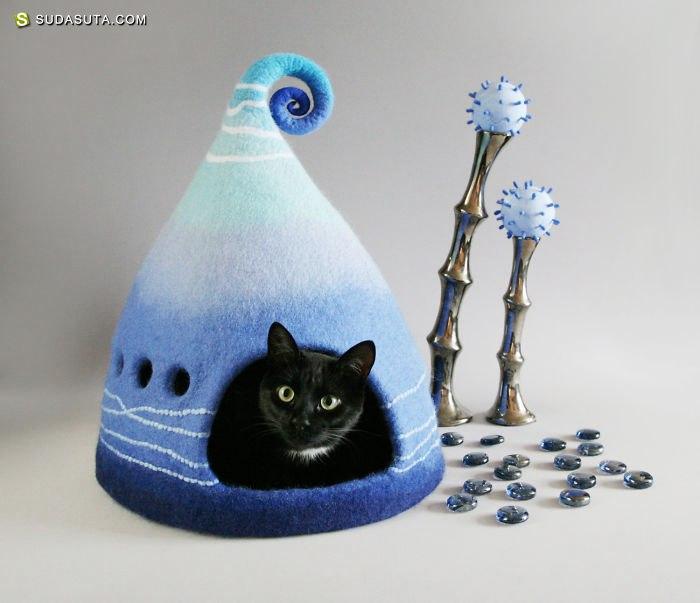Yuliya Kosata 创作有魔法的猫屋