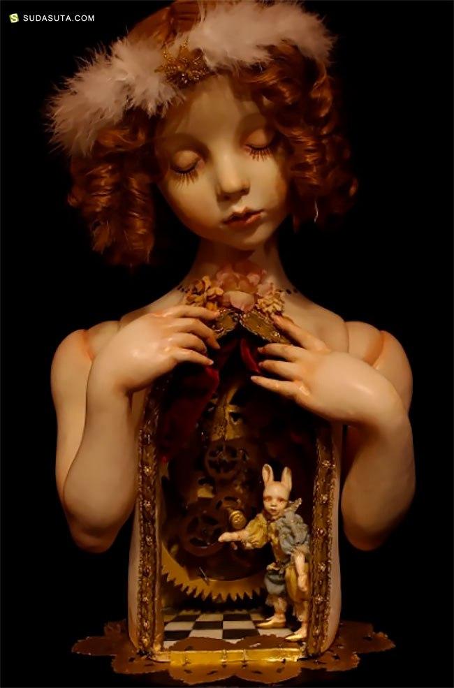 Mari Shimizu 家的恐怖娃娃