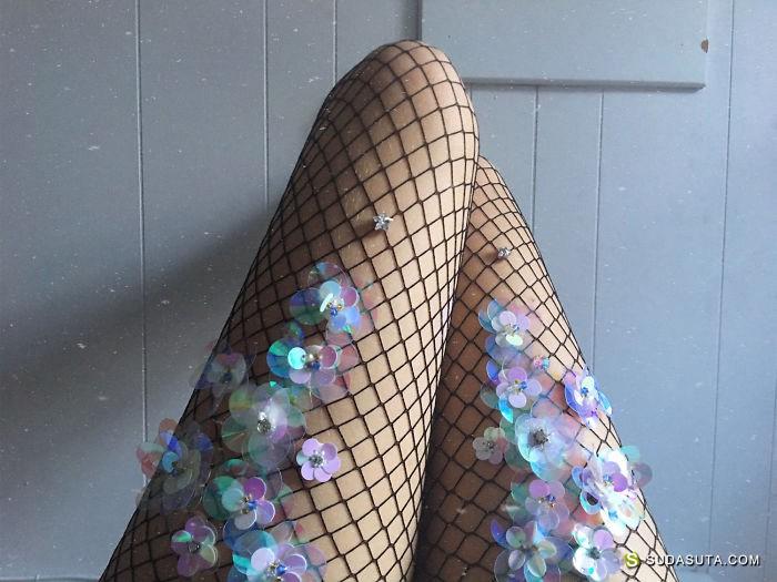 Lirika Matoshi 闪亮的夏日性感渔网袜