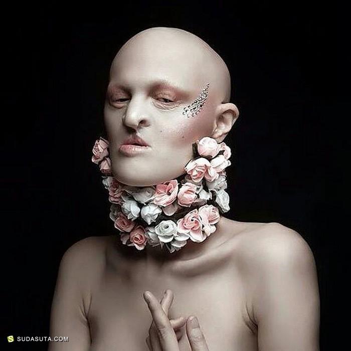 Melanie Gaydos 遇见不一样的时尚