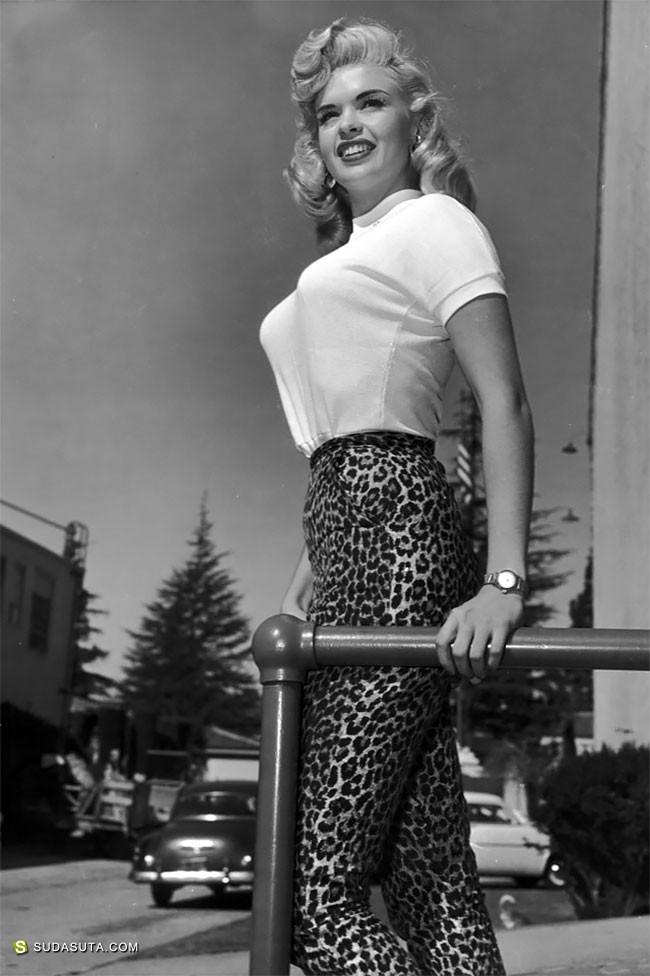 20世纪40年代和50年代的子弹头盔 时尚摄影欣赏