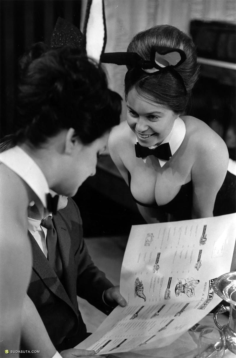 可爱性感的花花公子兔女郎黑白素材照片