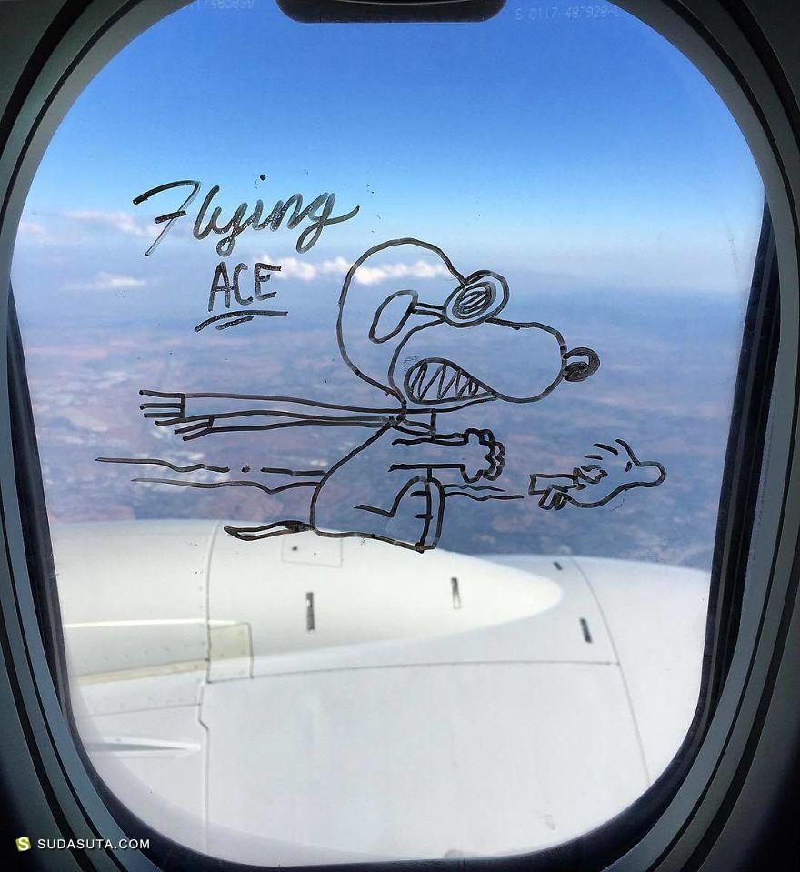 Stephen Palladino 在飞机上画画