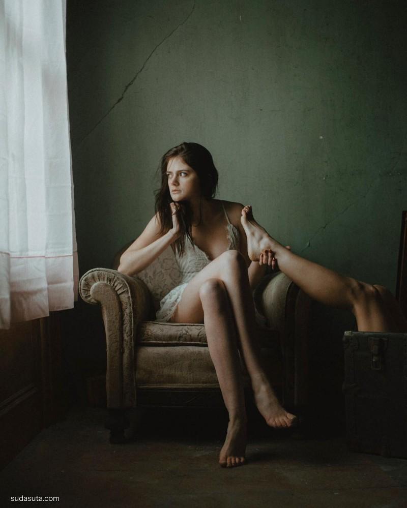 Svyatoslav Gindler 女性肖像插画欣赏