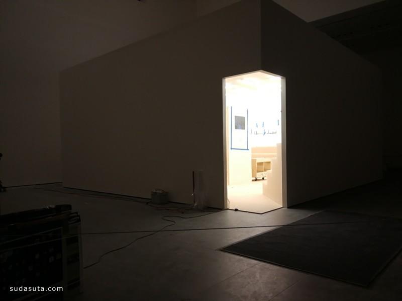 向新世界质疑和挑战—中国艺术家胡志颖装置展示纽约各大博物馆