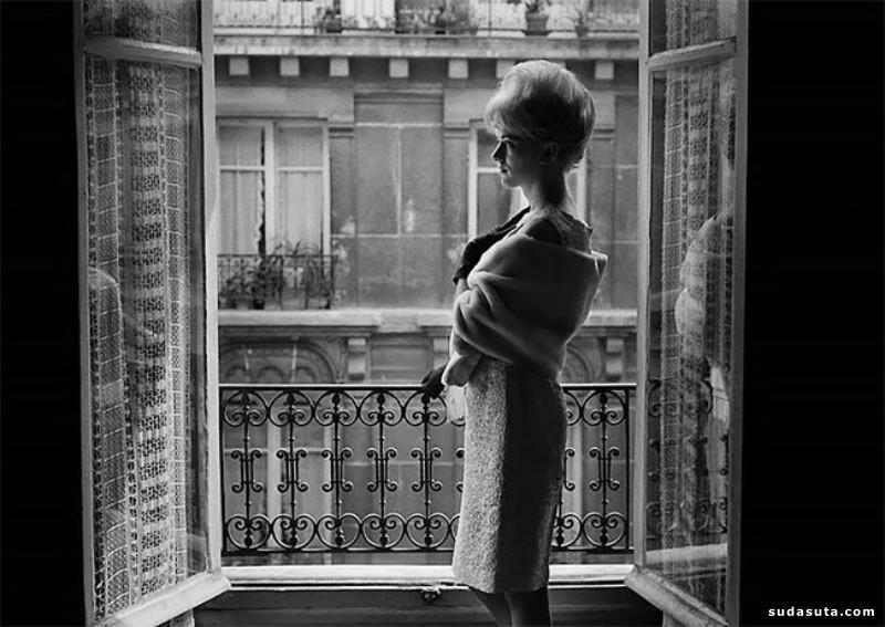 """""""Les Amies de Place Blanche"""":20世纪50年代迷人的巴黎肖像摄影"""