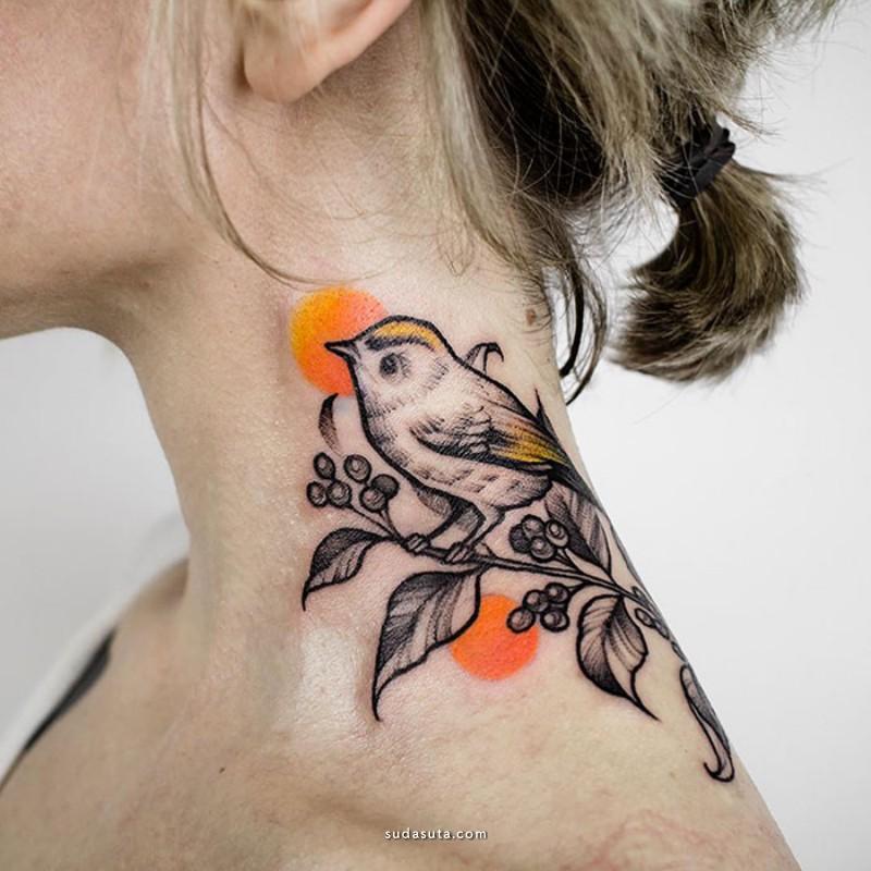 脖子上的纹身潮流设计