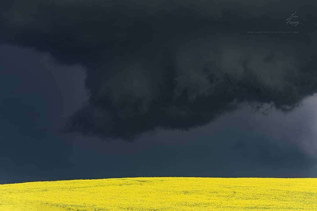 John Finney 恐怖的极限天气