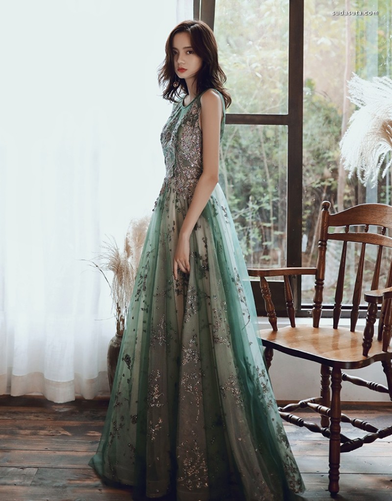 衣摆上的星星 晚礼服设计欣赏