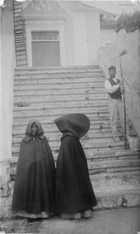 亚速尔群岛传统连帽大斗篷 不一样的时尚流行