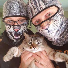 一起对抗冠状病毒!猫咪的口罩