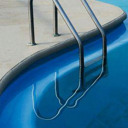 Natalie Christensen 游泳池