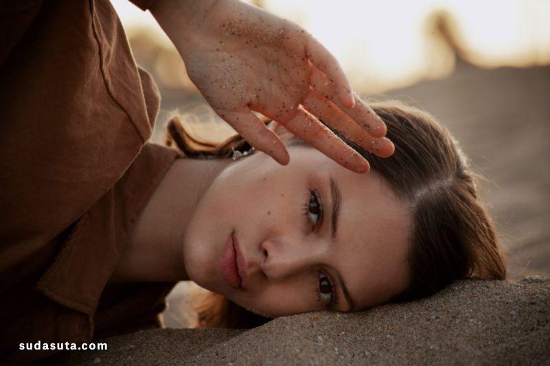 Luce Lapadula 日光下的脸庞