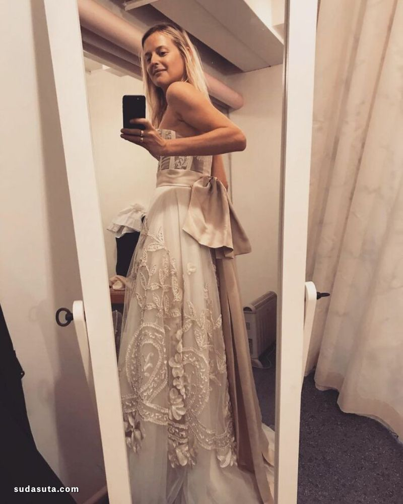 我自己做婚纱!幸福的婚纱设计欣赏