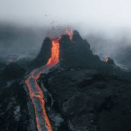 Thrainn Kolbeinsson 用镜头记录火山喷发